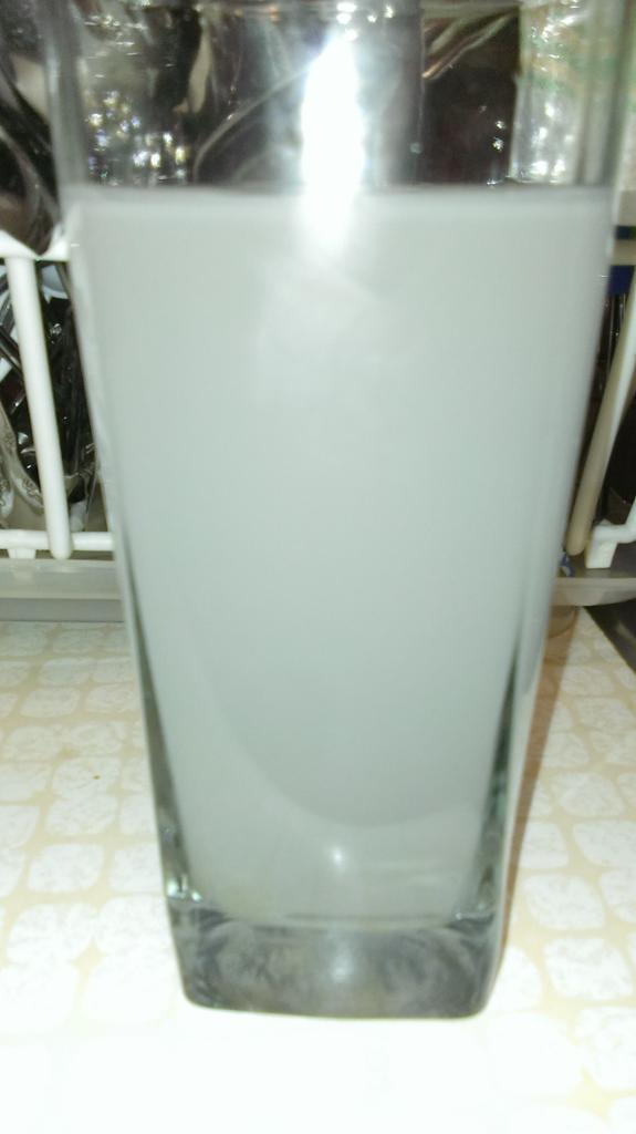 Hi, Mark, @MarkRuffalo this is my drinking tap water. I hv tried w/out success to get help since Oct.2014. Dd http://t.co/1hhB481CmO