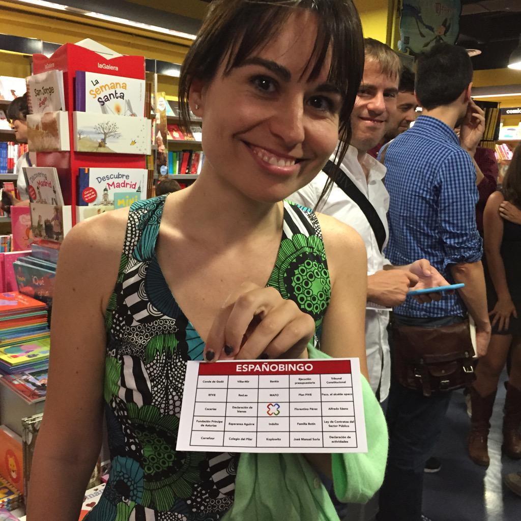 ¡En la presentación de #Espanopoly de @evabelmonte hay bingo! Aquí @mariaramirezNY y @eduardosuarez antes del acto. http://t.co/DOi9Svi2HB