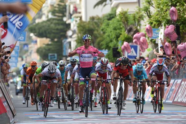DIRETTA TV Giro d'Italia 4a tappa: partenza Chiavari arrivo La Spezia, orari Streaming Rai Sport