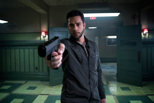 Loving the new @Heroes picture. (Thursdays, 8pm in Fall). @ZacharyLevi will be fantastic in it. http://t.co/weQatyw0tH