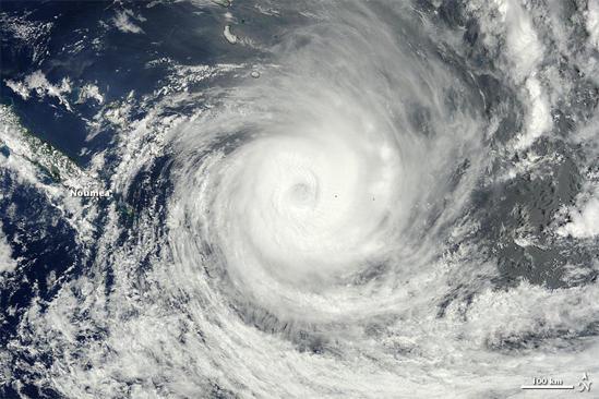 「台風 無料画像」の画像検索結果