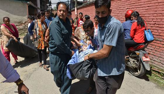 UPDATED: Deadly 7.3-magnitude quake hits #Nepal, @AlexSmithNBC and @BrinleyBruton report http://t.co/7Rf9o8P3h0 http://t.co/3PF4iM8NfG