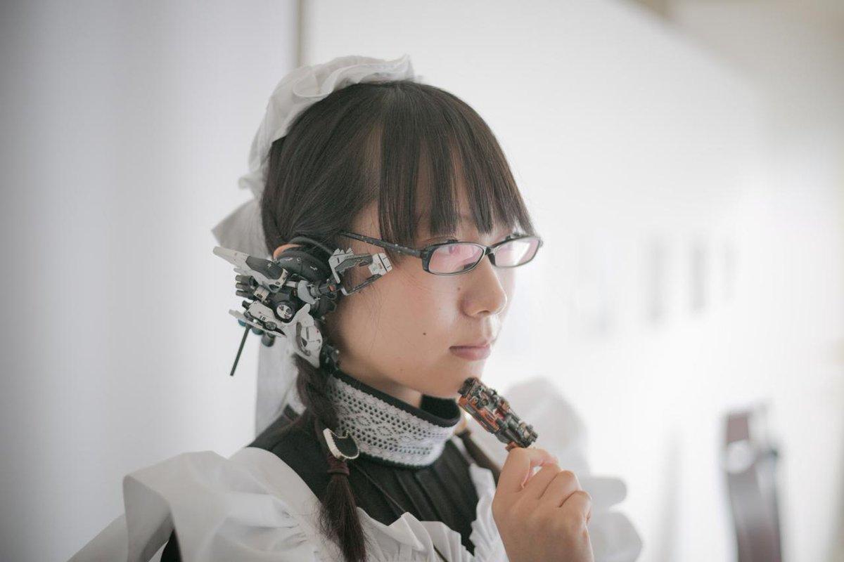 昔、メイドロボに憧れて作った三つ編み眼鏡ヘッドホンメイド。#男の子ってこういうのが好きなんでしょ pic.twitter.com/i7wbVSwVs7