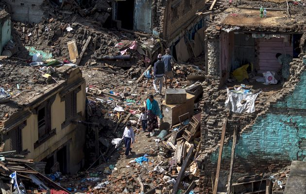 Four killed, buildings collapse in fresh #NepalEarthquake http://t.co/iBwXzW4py1 http://t.co/oTEo20avXe