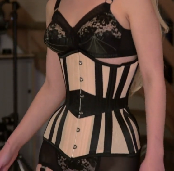 bcc2feeb32 Model who boasts an 18-inch waist in a corset has no plans to slow down her  waist training! — - scoopnest.com