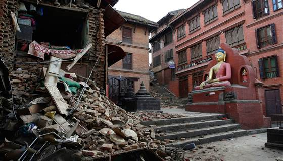 NBCNews: Second deadly tremor brings new devastation to #quake-struck #Nepal http://t.co/3RUo26JYN1 http://t.co/DKqxW86KLp