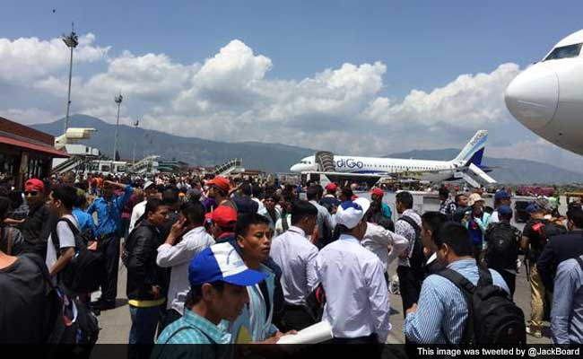 Panic at airport in Kathmandu after earthquakes strike Nepal http://t.co/PnP9Hbq1Cs  http://t.co/ZIJXPbjxrk