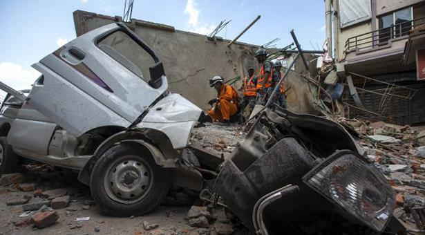 Death toll in Nepal from latest quake reaches 29 #GeoAurJeenayDo http://t.co/v0uHKZWGp7 http://t.co/a81SrEXWko