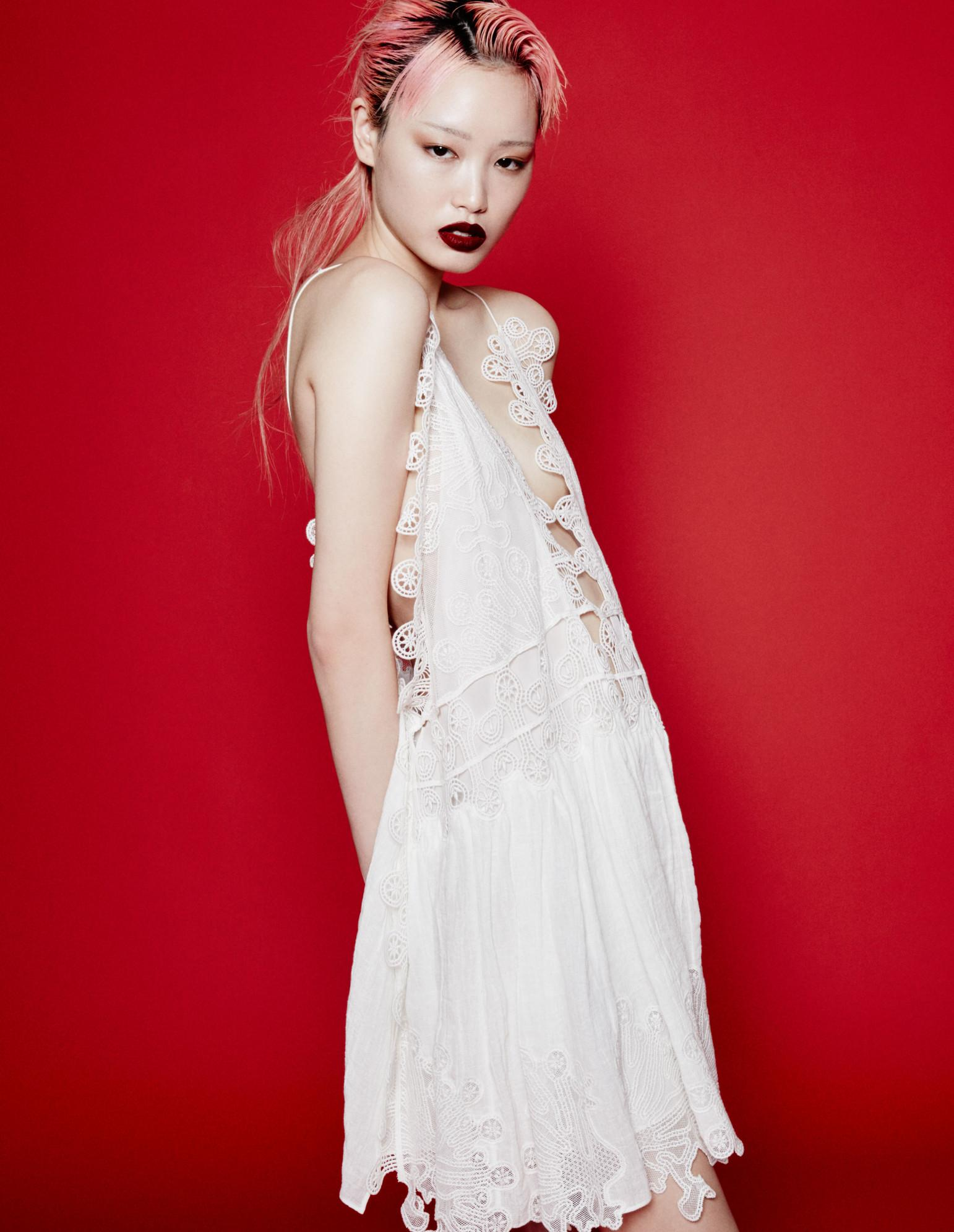 How to wear white dresses, starring #FernandaLy: http://t.co/ZIC4XAdqCg http://t.co/c3ZMeOb3QI