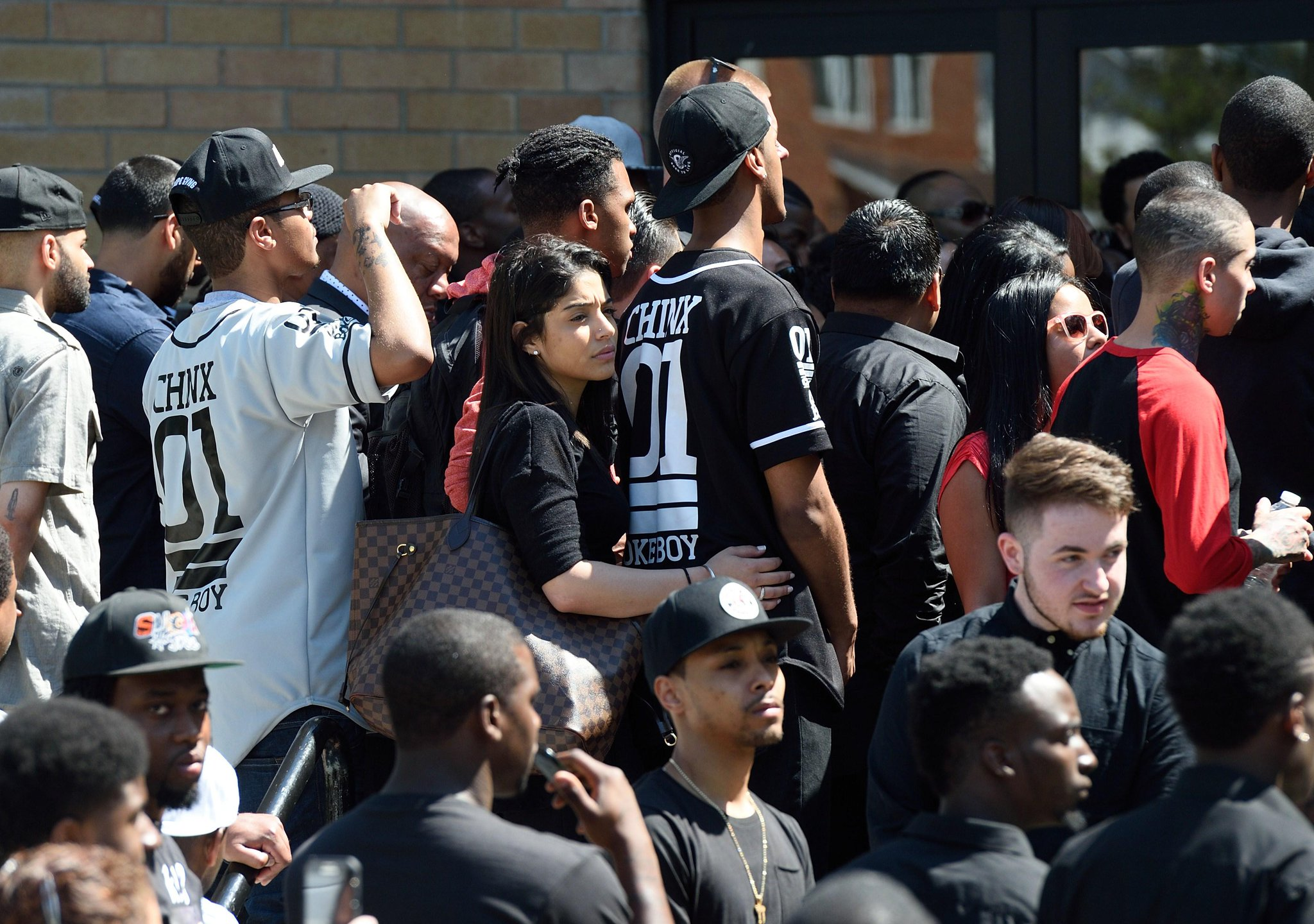 RT @GlobalGrind: Family, friends, and fans of Chinx gathered to say their goodbyes at his funeral in Queens http://t.co/BJbBCvu49D http://t…