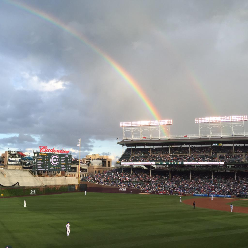 Wrigley moment. Beauty and history. @Cubs #cubs http://t.co/jmU4jJOAnP