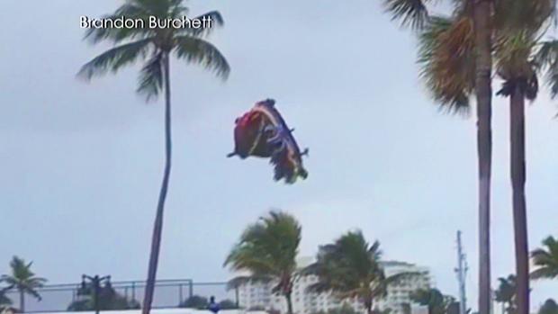 Yikes! RT @CBCNews: Bouncy castle flies away with 3 kids inside as tornado hits Florida beach http://t.co/ZfRU96XdZi http://t.co/Ztd6XblFqk