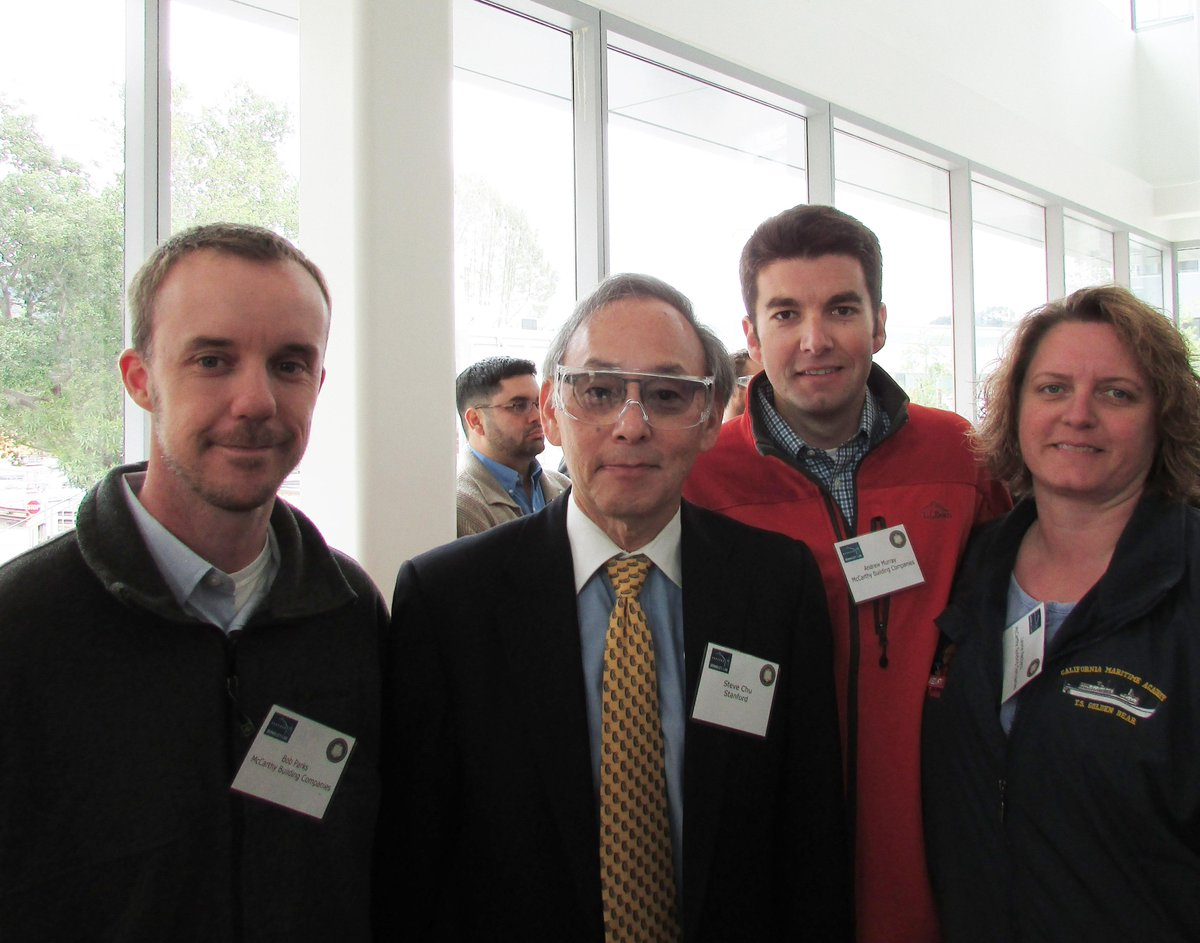 Our project team celebrating #SERC #team and #energy @BerkeleyLab with Dr. Chu today! http://t.co/7xPIp11WcC