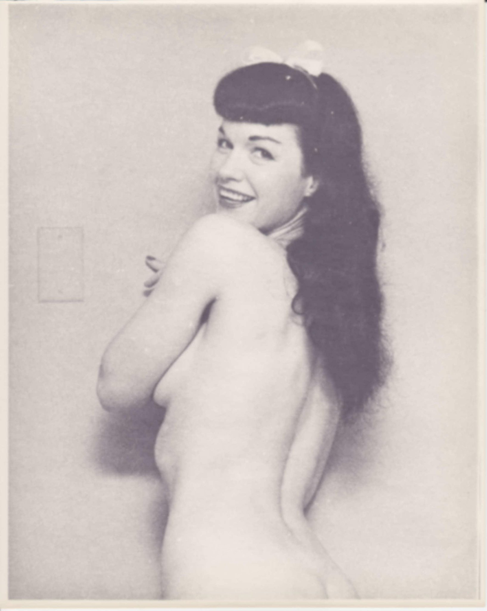 See unpublished nude photos of Bettie Page (NSFW): http://t.co/7XhPriF7CA http://t.co/8LLeFc6Aom