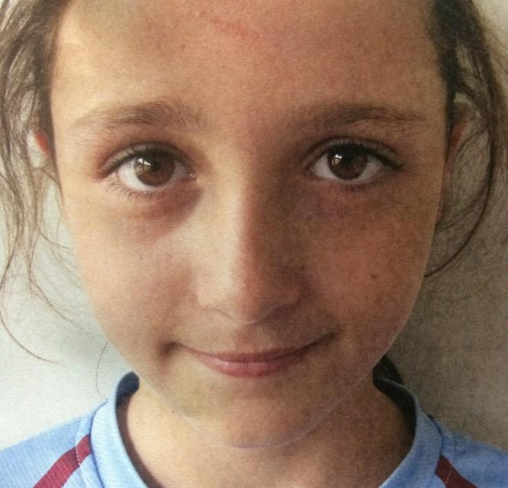 MISSING: 10 y/o Emily Brown hasn't been seen since last class at East Hills school today. Crime Stoppers:1800 333 000 http://t.co/r1Pbu2KXPC