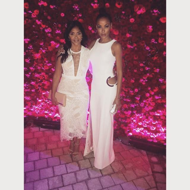 Friends that slay together stay together. Au revoir 🇫🇷💋💃🏽💅🏾 #funtimes #blessed #AlwaysEver… http://t.co/mEUSogHeEP http://t.co/gR1SkrwgUd