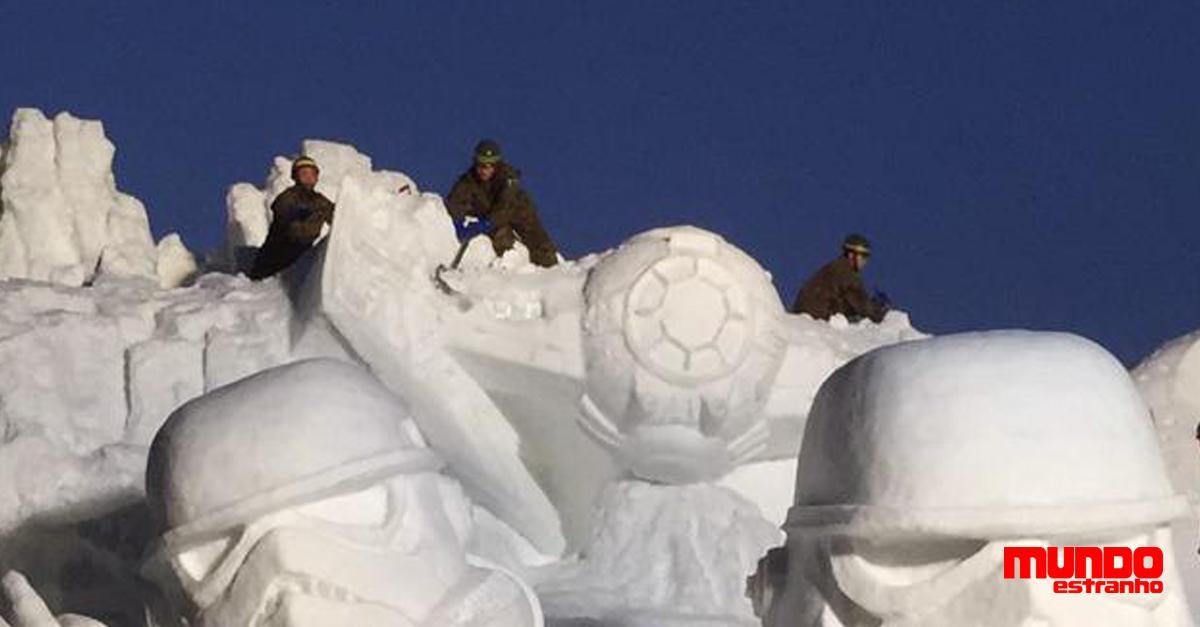 Divisão do exército japonês é especialista em fazer esculturas de neve: http://t.co/agvYRchLYx