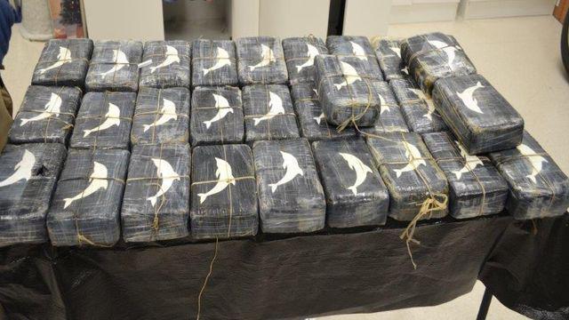 Police find 66 pounds of cocaine on Galveston beach http://t.co/N3QUd6MAV8 #KPRC2 #HouNews http://t.co/YM5Bvsw2HD