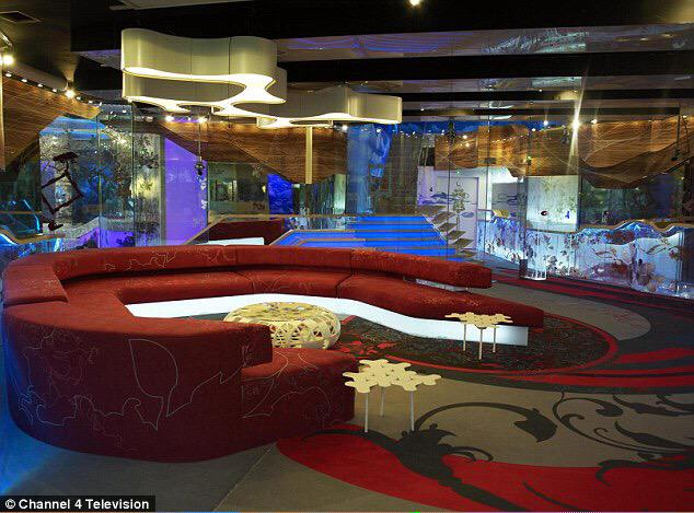 RT @bbuk247: A big Tuesday Good Morning from us here at BB24/7 Heres a little flashback of the #BBUK house from 2010! @Josiestweet http://t…