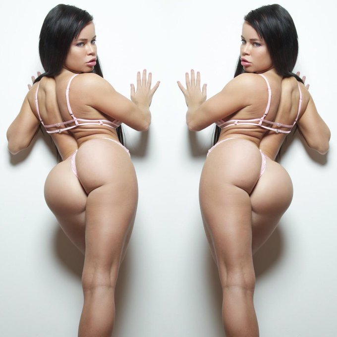 Double dose of Nikki ❤️ my evil twin photography by @echosworld ? http://t.co/jky4hYlKWc