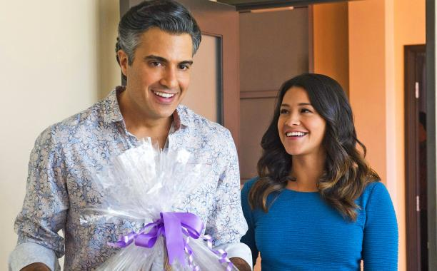 #JaneTheVirgin's first season was the perfect blend of humor, heart, and romance: http://t.co/H6xUv9lS28 http://t.co/rQc89vwKfu