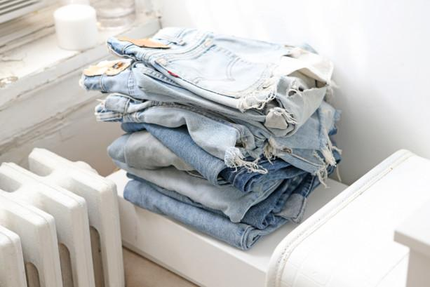 Booty, booty, booty rockin' everywhere (this is about denim shorts, for the record). http://t.co/HNo6WEn9Qg http://t.co/jftcKjIJjm