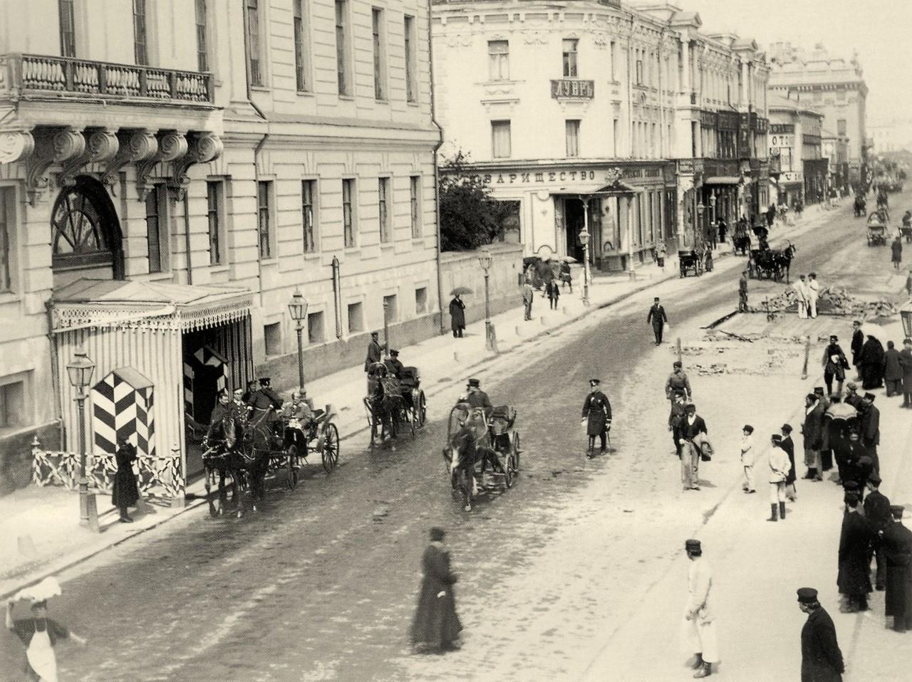 представлены все фото улицы исторической москвы участвовал дебальцевской