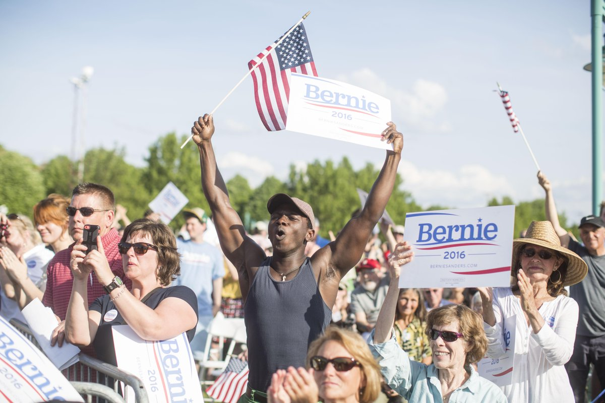 PHOTO: Bernie #Sanders has some very passionate supporters here in #Burlington #Vermont @BloombergPhotos http://t.co/gMgDA0xmh3