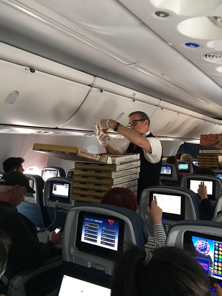 Pizza, la deliciosa solución ante un vuelo retrasado