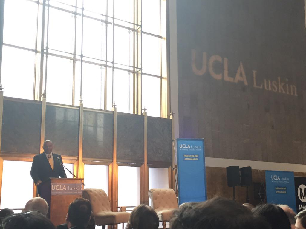 """Transportation is biggest factor in escaping poverty"" -@SecretaryFoxx @UCLALuskin #competestreets http://t.co/JvfWtSZbxy"
