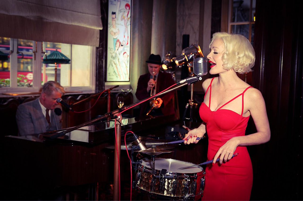 This week on JAZZBITES my guest is the sensational KITTY LaROAR http://t.co/qSZzm9hIgd http://t.co/e8ud2U5evu