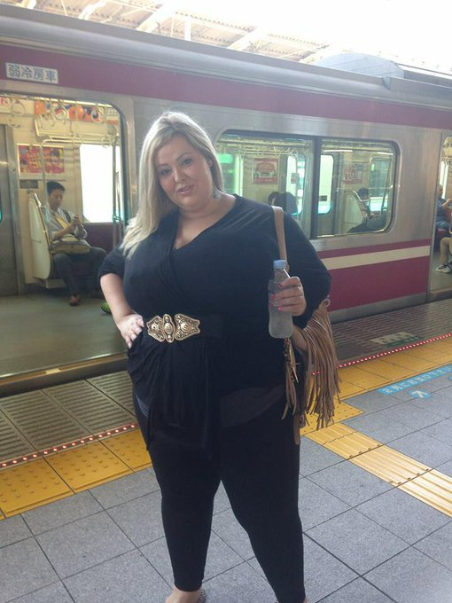 RT @MandyMajestic: Ok time for JAPAN Pics http://t.co/p8r9zXOqBZ