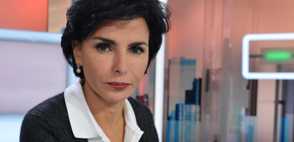 """""""@LeNouvelObs: Rachida Dati et les foulards Hermès : la polémique en 3 actes > http://t.co/kT7sP0bu5a http://t.co/wZsZktdBmG"""""""