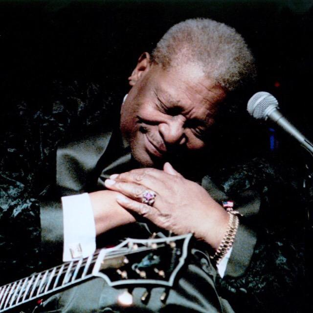Thanks for the music! Gracias por tu musica maestro! #BBKing http://t.co/nq1Es93vb8