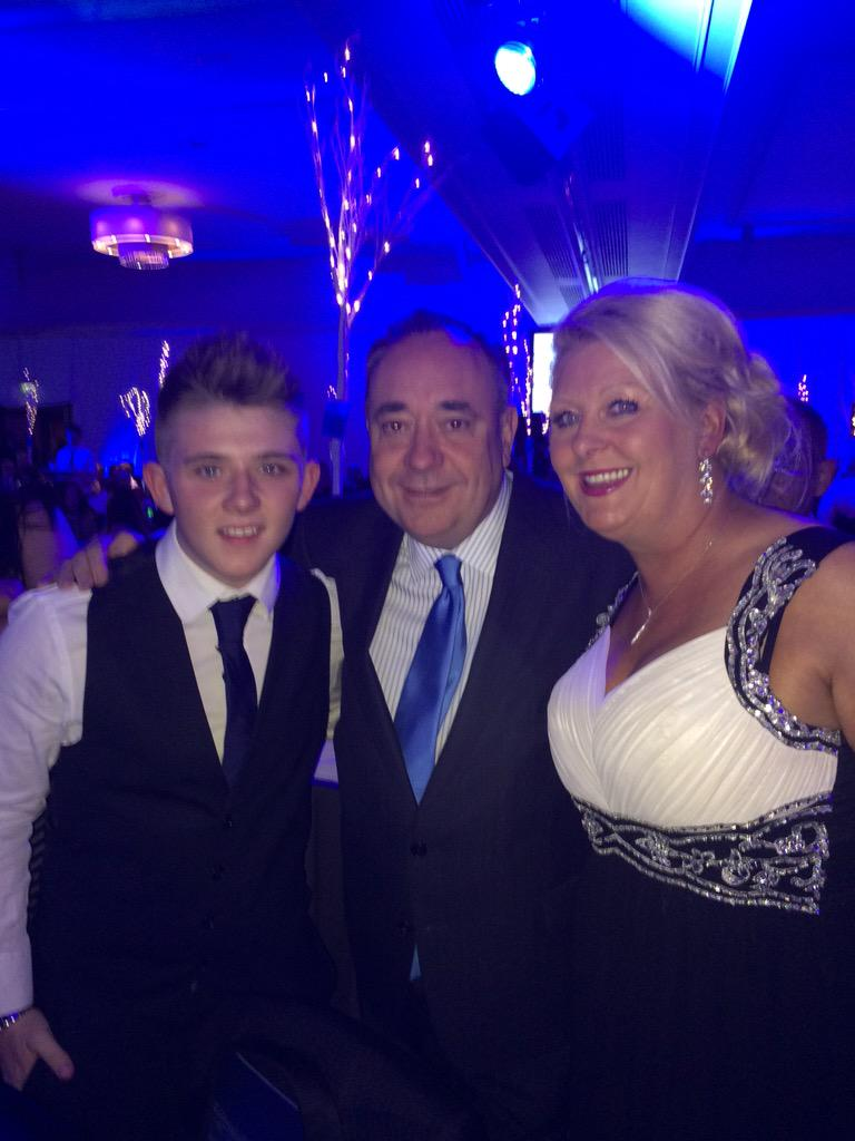 Just bumped into @AlexSalmond at the @Daily_Record & @lidl #OurHeroes Awards #OH2015 http://t.co/KDT3YefuOL