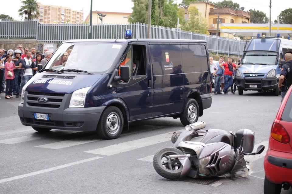 Napoli: Uccide familiari per il bucato steso e spara dal balcone, strage a Secondigliano