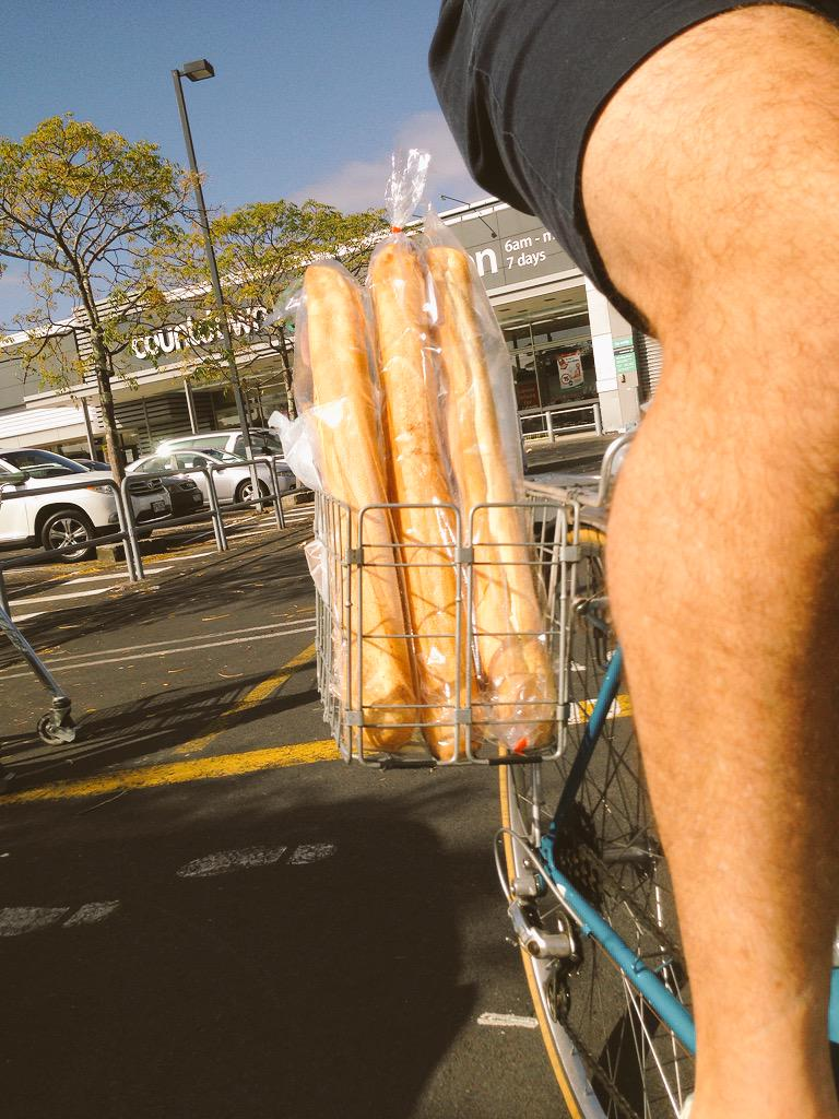 Baguettes to the max while going for a Quax. Do try #quaxing - it's quite relaxing. http://t.co/MYqVriJZLb