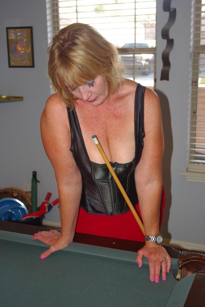 play strip pool