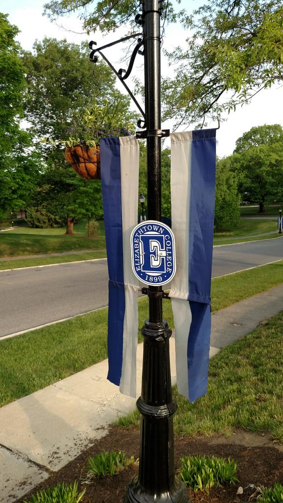 @EtownCollege Facilities Management crew has done a superb job with all the details for #etown2015 http://t.co/pl5vFZmsQp