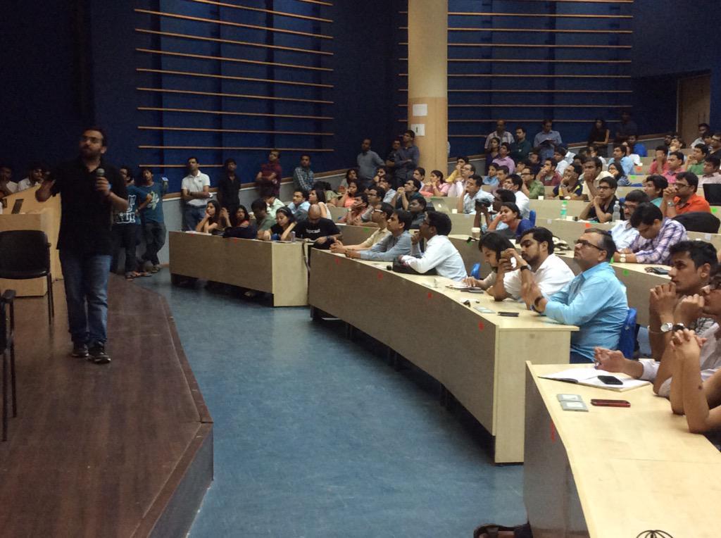 Lovely to see the room full of #entrepreneurs at #YSspotlight http://t.co/RGreckT8DO
