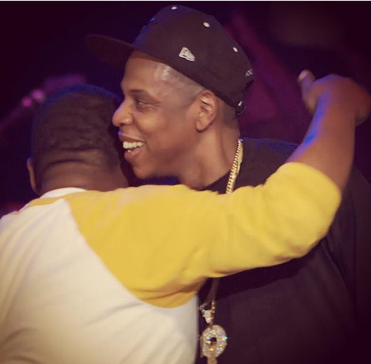 Today is legendary. The real! Jay-Z and Beanie Sigel. What the rap game has been missing. ROC-a-fella Rec. #greatest http://t.co/5PZEQGZVAN