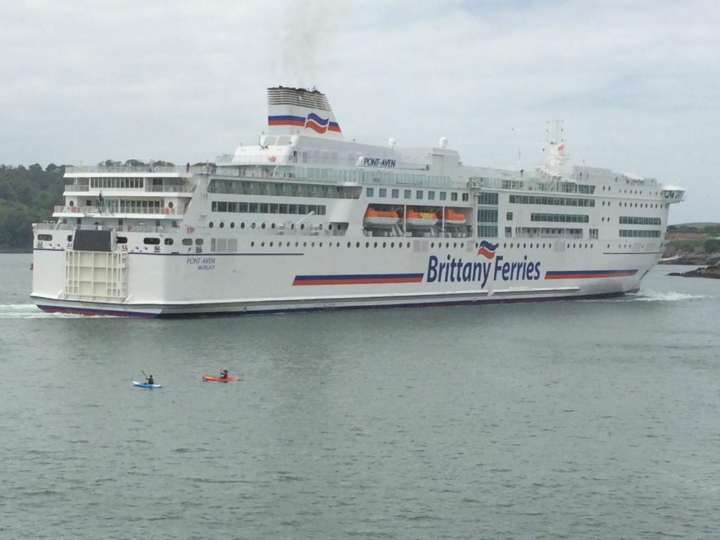 brittany ferries on twitter little and large this afternoon in plymouth as pont aven arrives. Black Bedroom Furniture Sets. Home Design Ideas