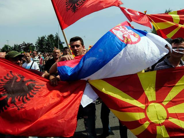 FYROM inter-ethnic violence - Page 6 CFNnyUPWYAE3TUu
