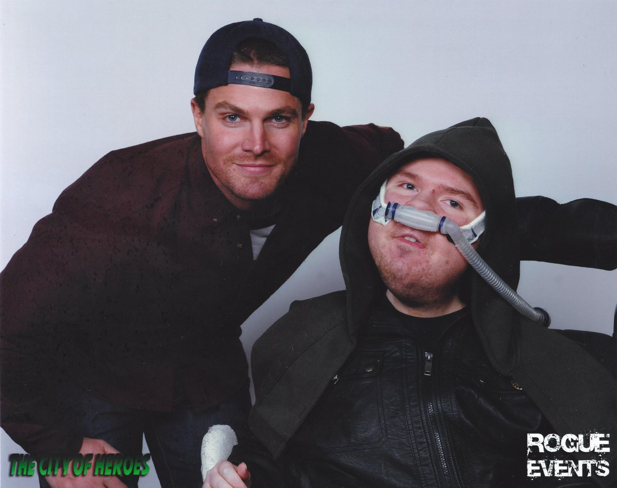 Legends of tomorrow #Arrow and #Relentless team up! @amellywood @ARROWwriters #thecityofheroes Thank you! http://t.co/YoQbqSMH6h