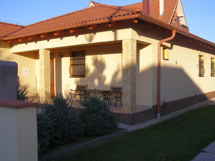 Apartment JANKÓ,Veľký Meder. Capacity: 8 persons. Price: from 10 € person/night. http://t.co/uflCCIYIs0 http://t.co/h3z1SjkBiG
