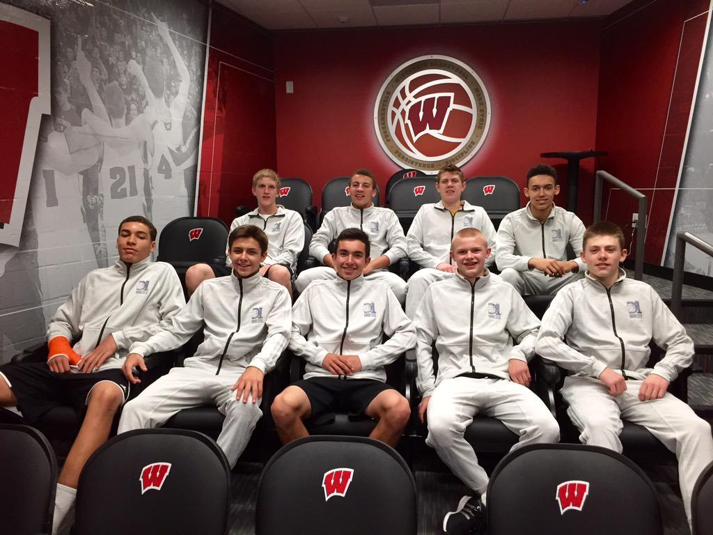 Thank you @UWBadgers for cool tour of facilities today for @D1Minnesota 15U. http://t.co/yrWcQyxs8Q