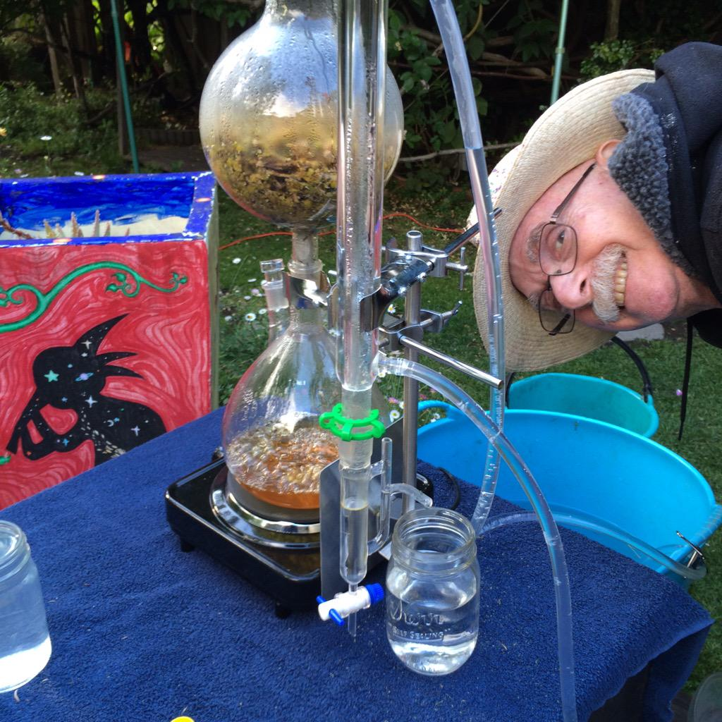 .@hrheingold is running a small backyard chamomile distillery http://t.co/WkvDQgFgNt http://t.co/h2FgNmgxLE