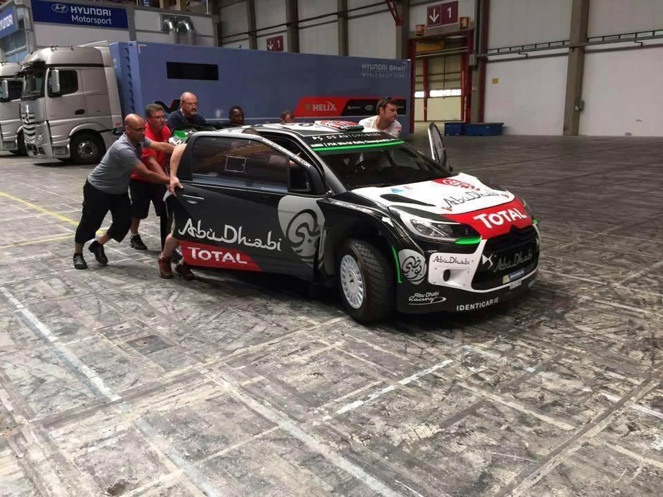 [INFORMATION] La DS 3 WRC 2015 change de look ! CFPCK7vWYAAejia