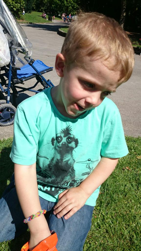 RT @dawn190481: @lemontwittor my 5yr old son has nf and it's world neurofibromatosis awareness day any chance of a RT plz? Ta #ENDNF http:/…
