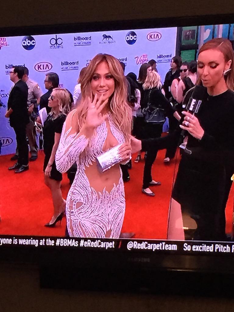 Goodness. J.lo......that dress. #BBMAs http://t.co/pMDaKwDGL5